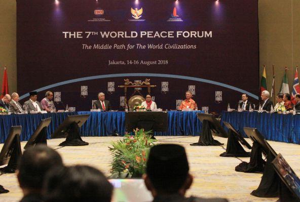 Forum Perdamaian Bahas 'Jalan Tengah'